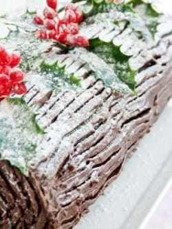 The best wine and liqueur matches for a chocolate yule log